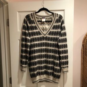 Long v-neck beaded Chanel sweater